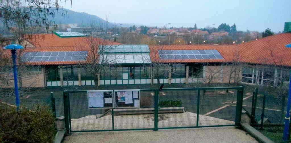 Groupe scolaire ROGHI (63650 - Volvic )