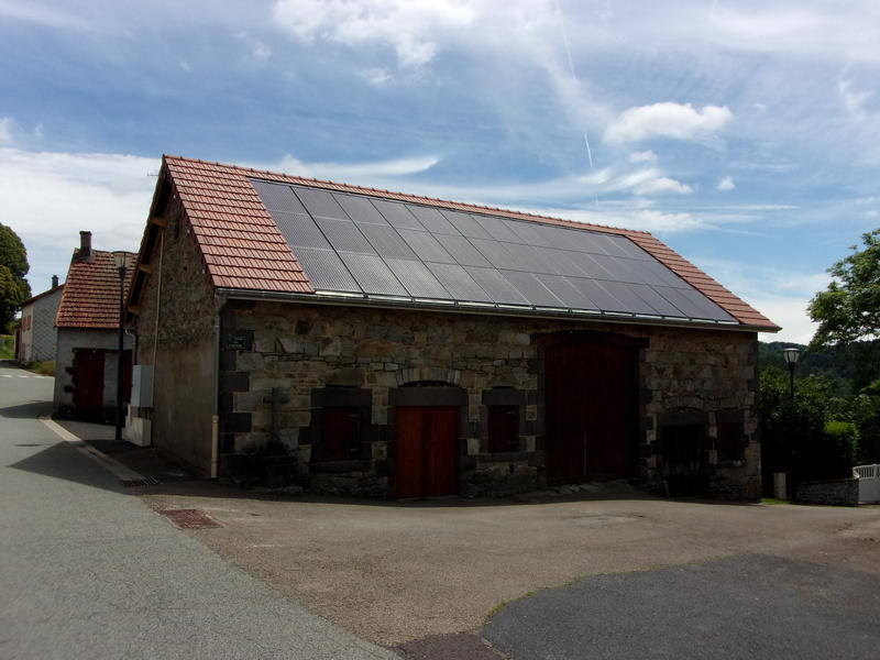 Halle des artisans (63780 - Queuille )